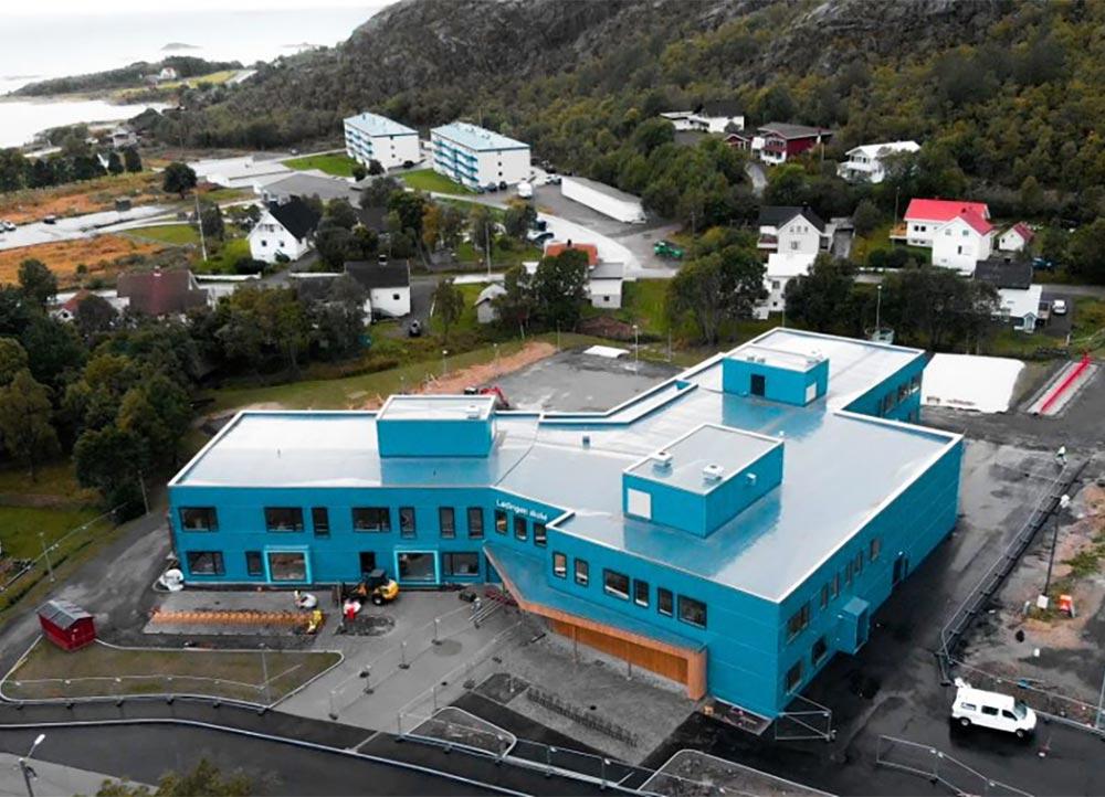 Lødingen skole sett ovenfra